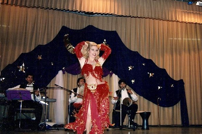 Sakti Rinek Belly Dance Performance Instruction Cairo
